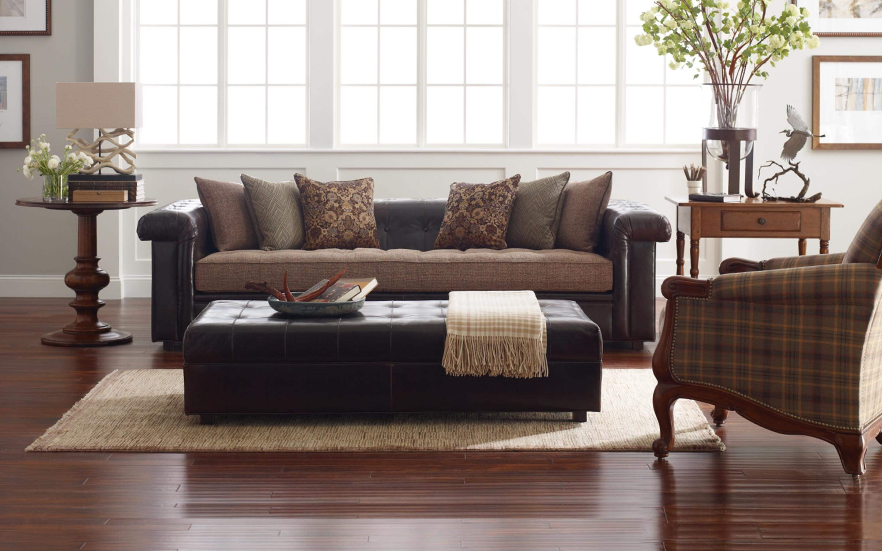 Image of living room set from Reid's furnishing in Roanoke.