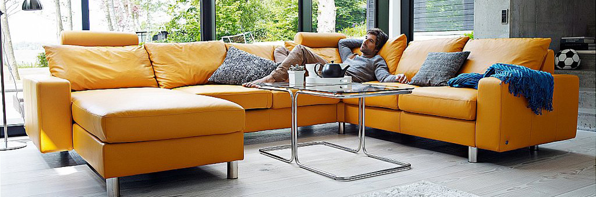 Ekornes stressless living room set.